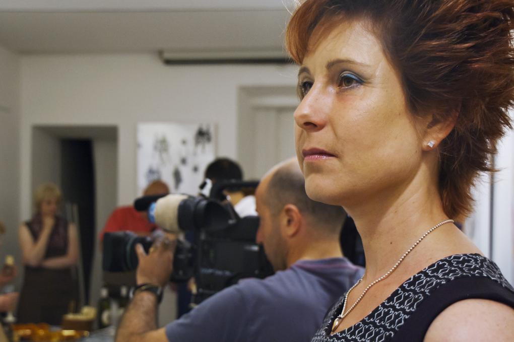 """Anja Pauseback auf der Vernissage zur Ausstellung """"Schichtungen in Raum und Zeit"""" in Rom im Mai 2012"""