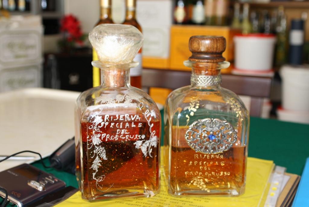 Si vede due belle bottiglie cn la riserva del Professor Giovanni Russo