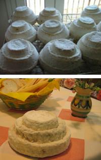 Ein gutes Matching zum Timorasso, der berühmte Käse Montébore, der wie eine Hochzeitstorte aussieht. (Fotos: Alexala und Katrin Walter)
