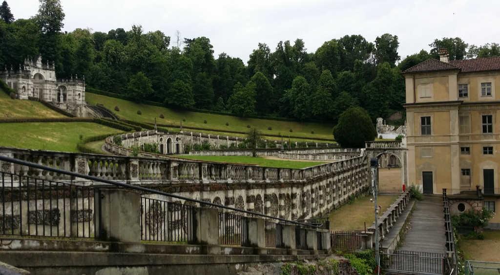 Teilansicht der verschiedenen Ebenen der Gartenanlage und der Villa della Regina in Turin. Foto: Katrin Walter - simply walter