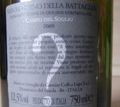 Rückenetikett auf einer Fllasche San Martino della Battaglia Doc. Foto: Katrin Walter, simplywalter.biz